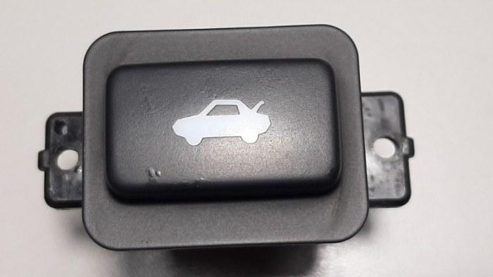 Кнопка открывания багажника Honda Accord CU2 K24Z3 2008