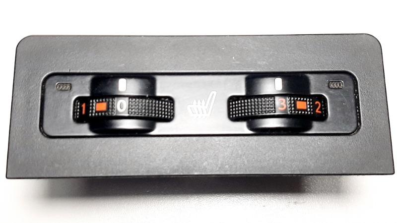 Кнопка обогрева Lexus Rx270 AGL10 1AR-FE 2012