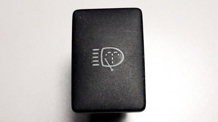 Кнопка, переключатель Toyota Camry ASV50 2AR-FE 2013