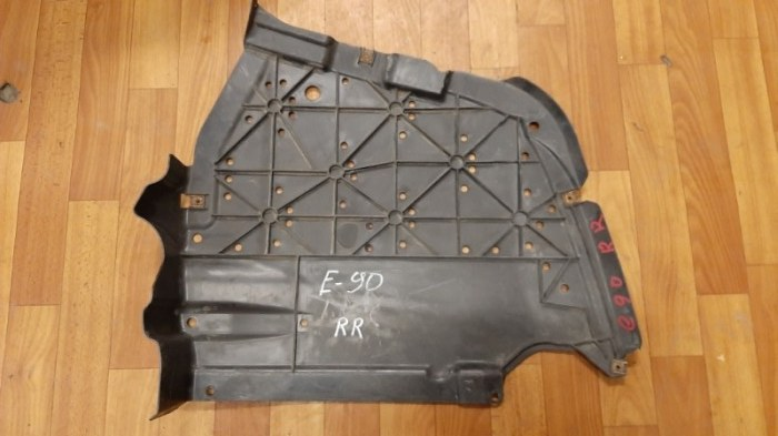 Защита днища кузова Bmw 3-Series E90 N52B25 2006 задняя правая