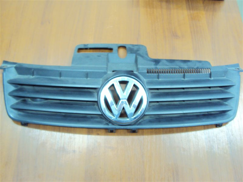 Решетка радиатора Volkswagen Polo 6NAHW BBY 2000 передняя