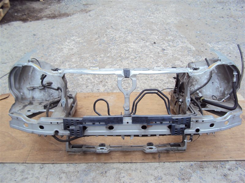 Рамка радиатора Mercedes-Benz E W210 112.941 1999 передняя