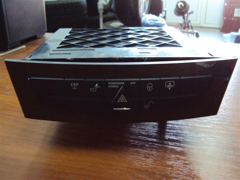 Блок кнопок Mercedes-Benz E W211 112.949