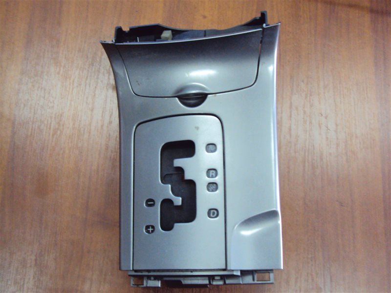 Накладка декоративная Mazda 6 GG L3WE