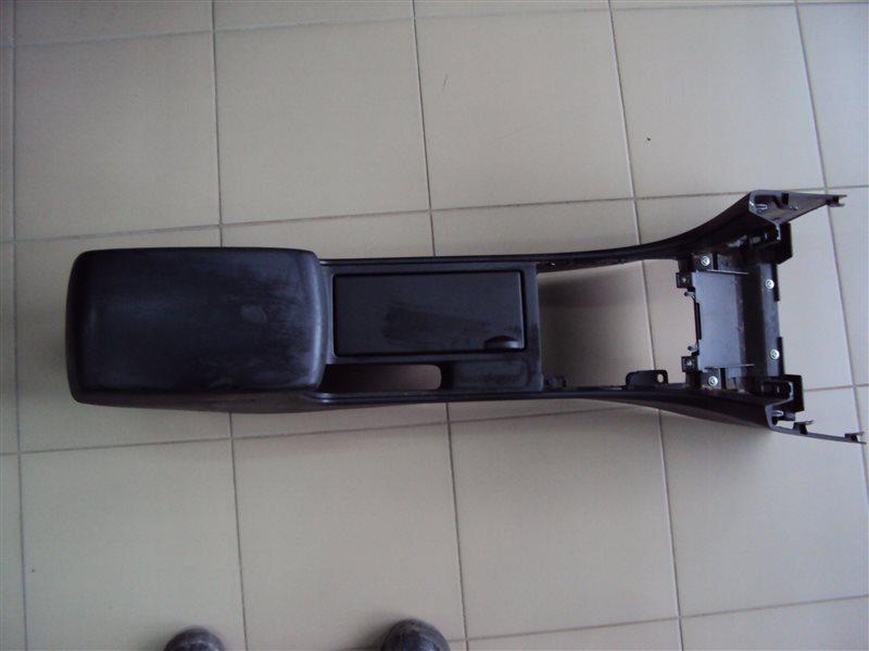 Подлокотник Mazda 3 BK5 ZY 2007