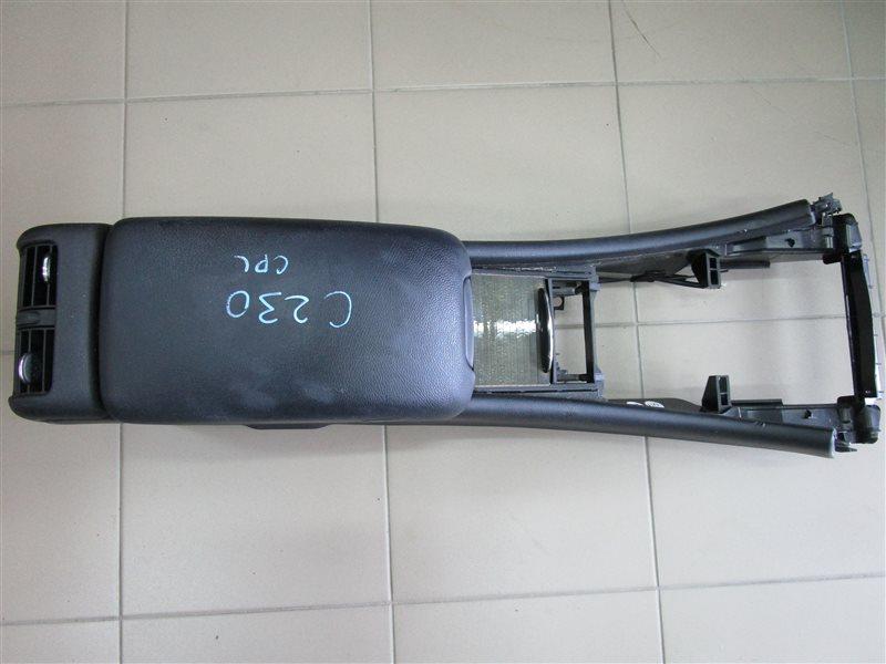 Подлокотник Mercedes-Benz C W203 271.948
