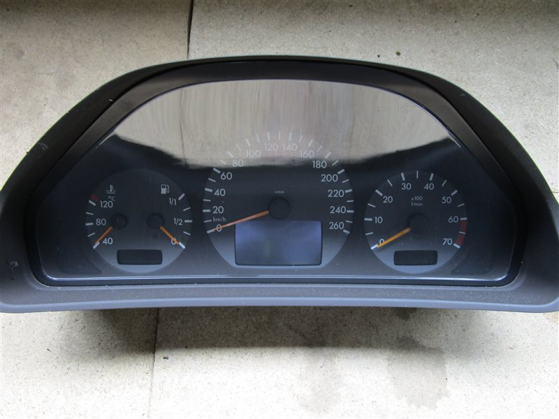 Щиток приборов Mercedes-Benz E W210 112.941 1999