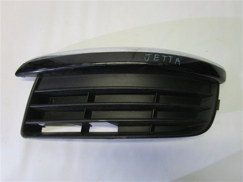 Решетка в бампер Volkswagen Jetta BVY передняя левая