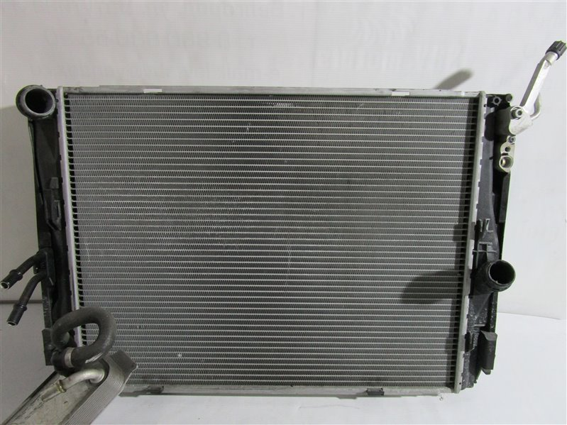 Радиатор двс Bmw 1-Series E87 N46B20B