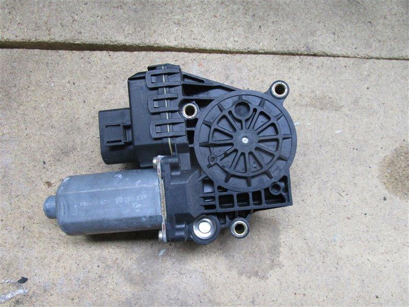 Мотор стеклоподъемника Audi A6 C5 передний правый