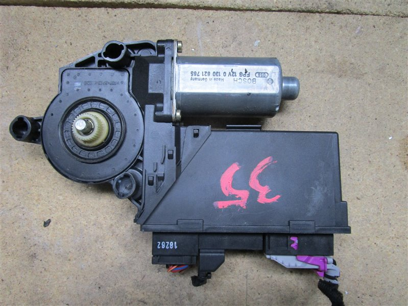 Мотор стеклоподъемника Audi A4 B6 ASN 2003 передний левый