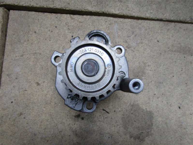Насос водяной (помпа) Audi A4 B6 AMB 2002