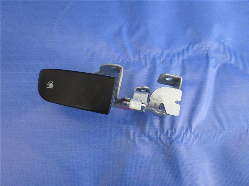Ручка открывания лючка бензобака Mazda 6 GH LF-VE (LF5-VE) 2008