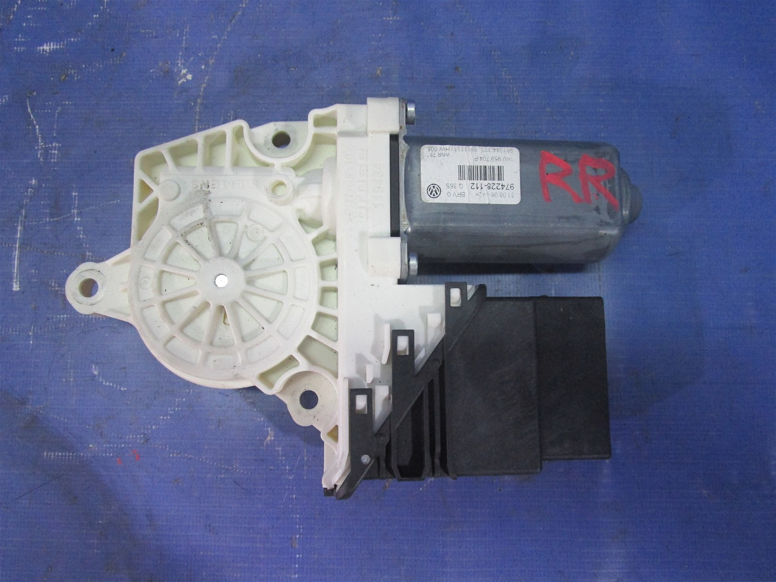 Мотор стеклоподъемника Volkswagen Passat B6 BVY 2006 передний правый