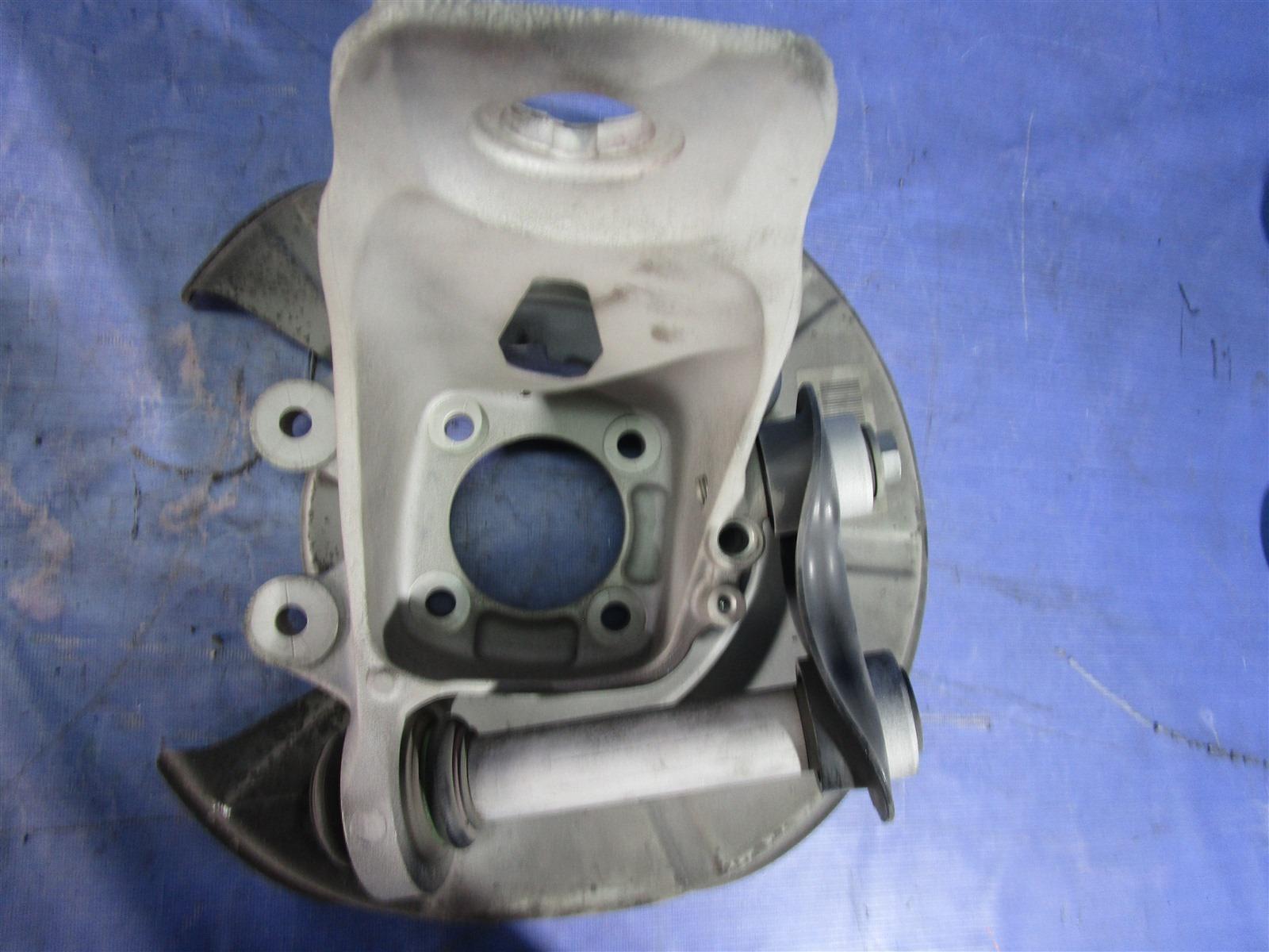 Кулак поворотный Bmw 5-Series E61 256S5 2004 задний