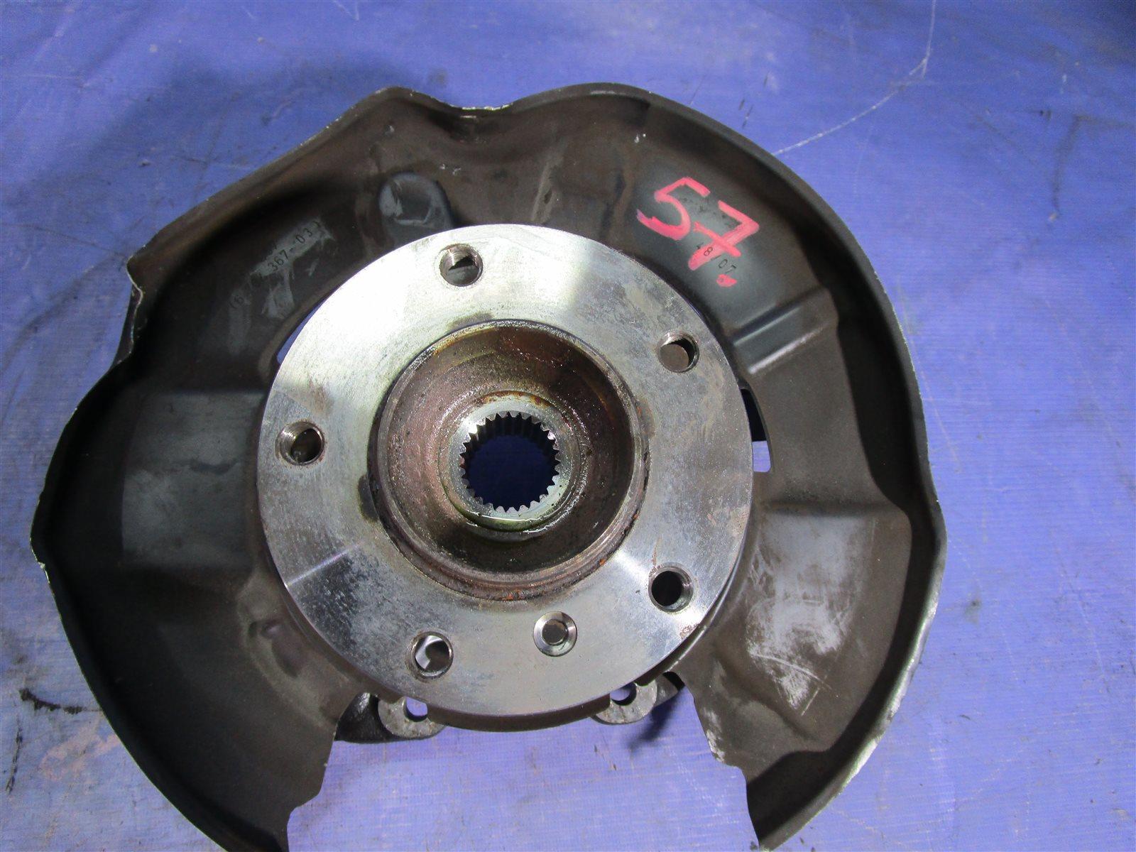 Кулак поворотный Bmw 1-Series E87 N45B16A 2008