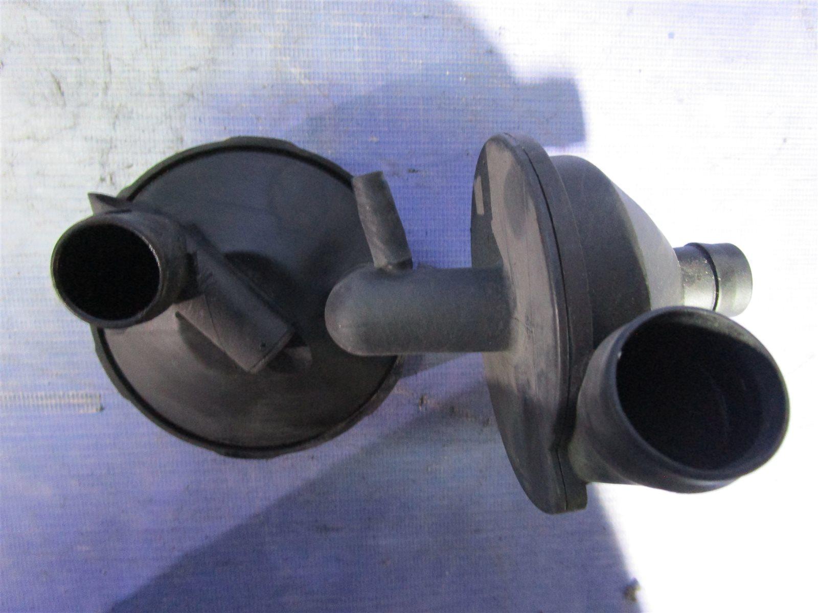 Сепаратор, разделитель масла, клапан pcv, вентиляция картера Bmw 3-Series E46 226S1 2003