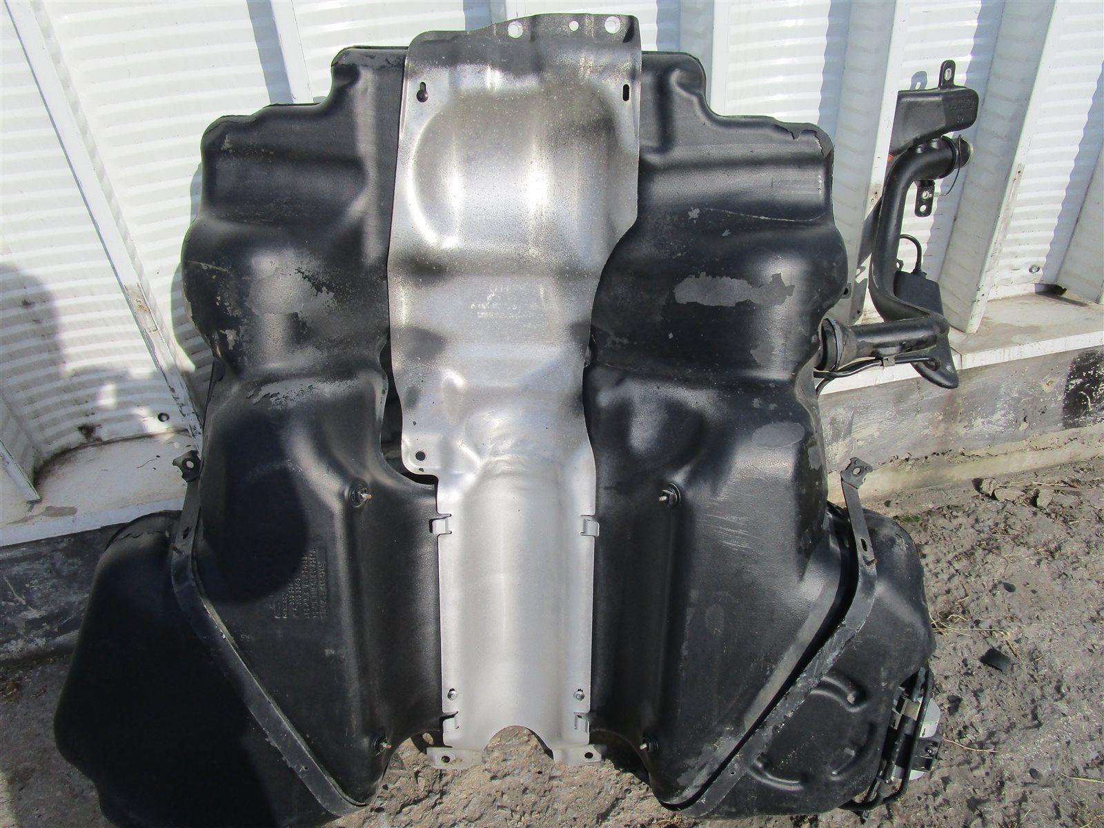 Бак топливный Audi A6 C6 AUK 2006