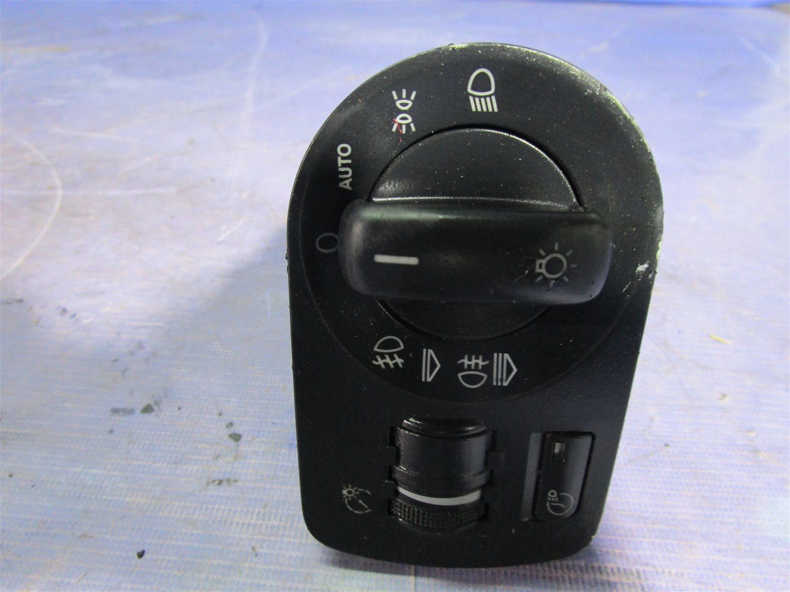 Блок выключателя фар Audi A3 32V6