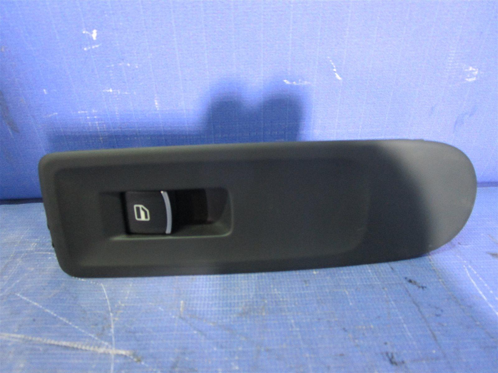 Кнопка стеклоподъемника Volkswagen Golf 6 5K14G5 CAXA 2012