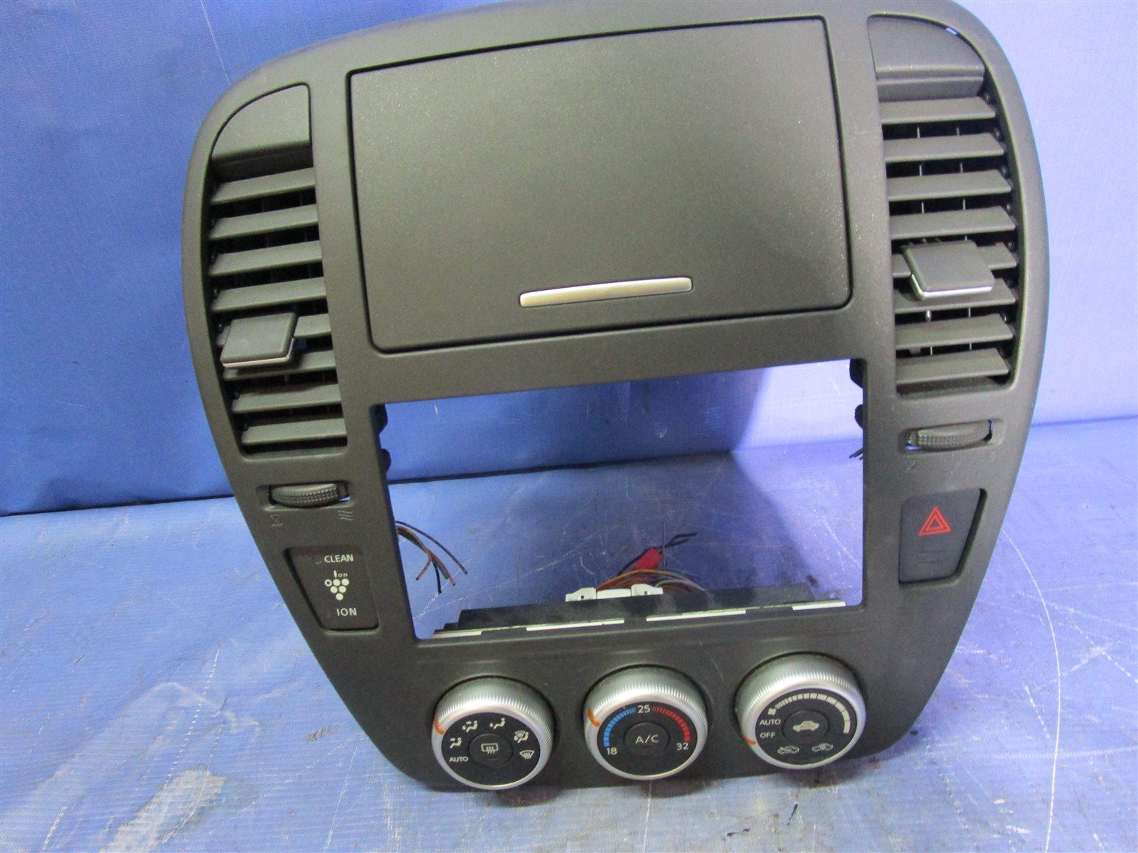 Панель кондиционера, блок кнопок климат -контроля. Nissan Bluebird Sylphy KG11-009471 MR20DE 2012.05