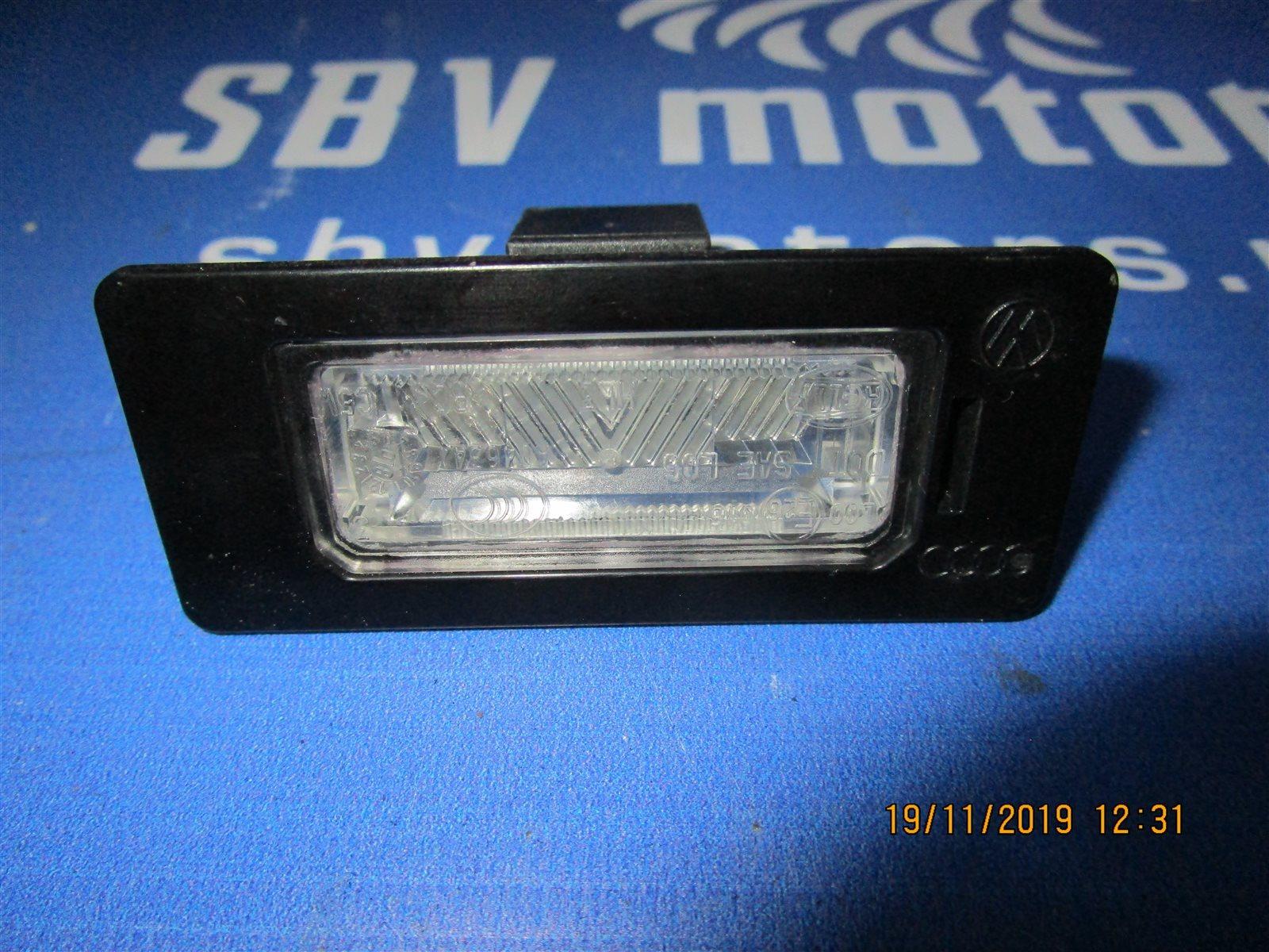 Подсветка номерного знака Audi A4 B8 CDHB 2008 задняя