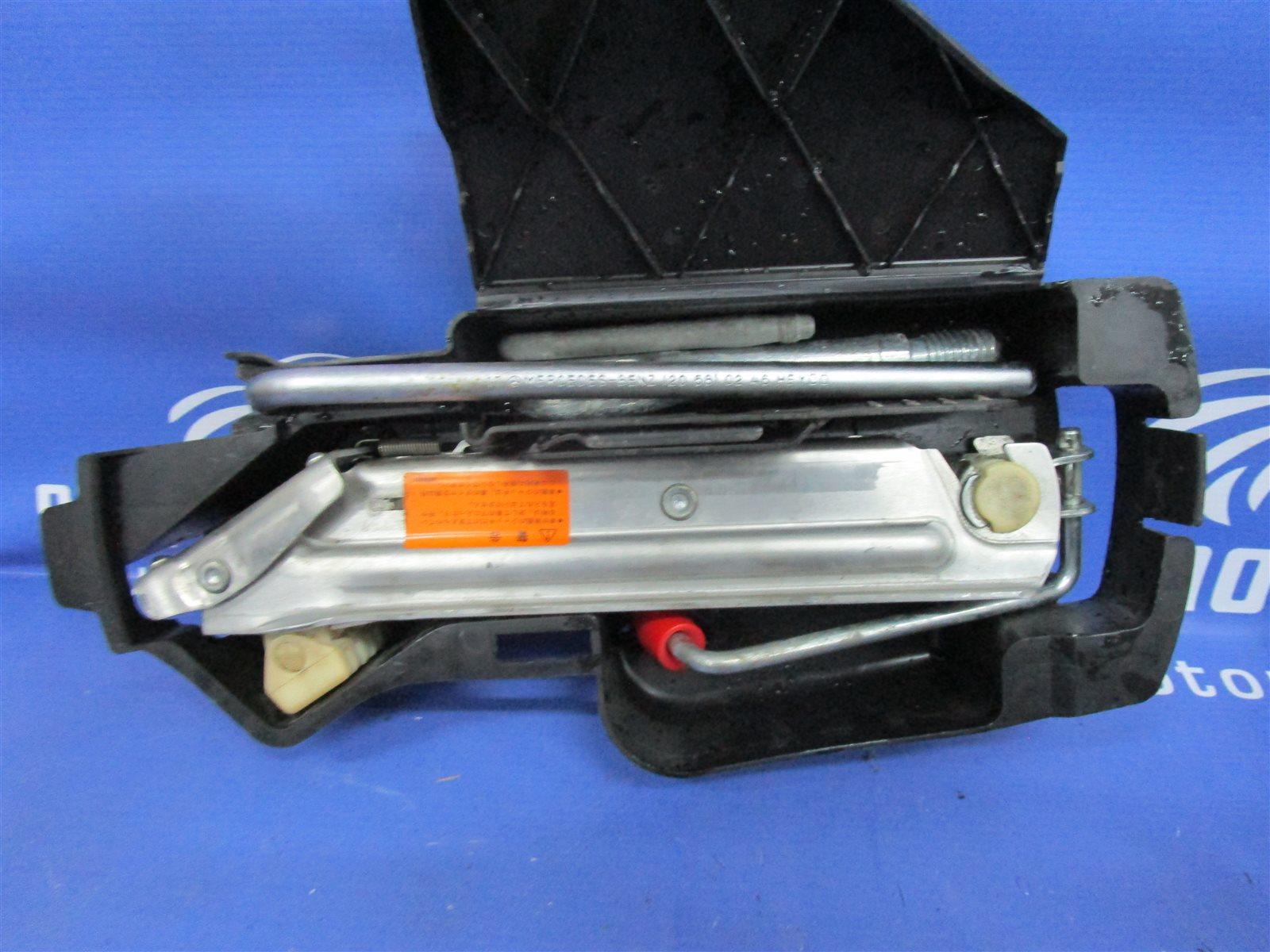 Набор инструмента Mercedes-Benz C W203 111.951 2001
