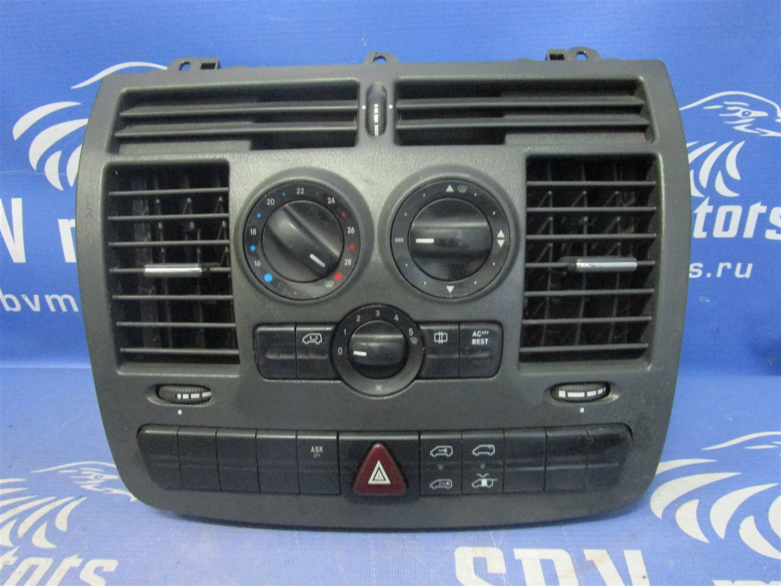 Панель кондиционера, блок кнопок климат -контроля. Mercedes-Benz Vito W639 646982 2005 передний