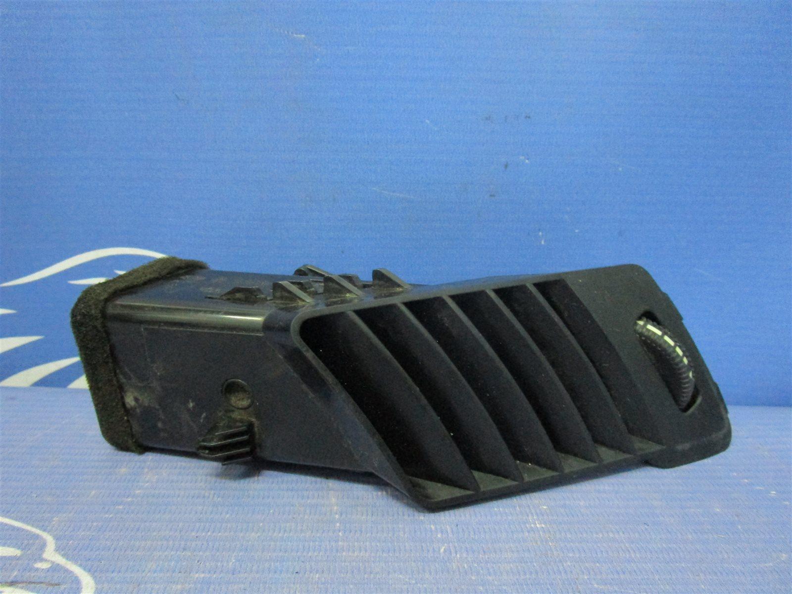 Дефлектор воздуходува центральной консоли Mercedes-Benz Sprinter ФУРГОН 646985 2007 правый