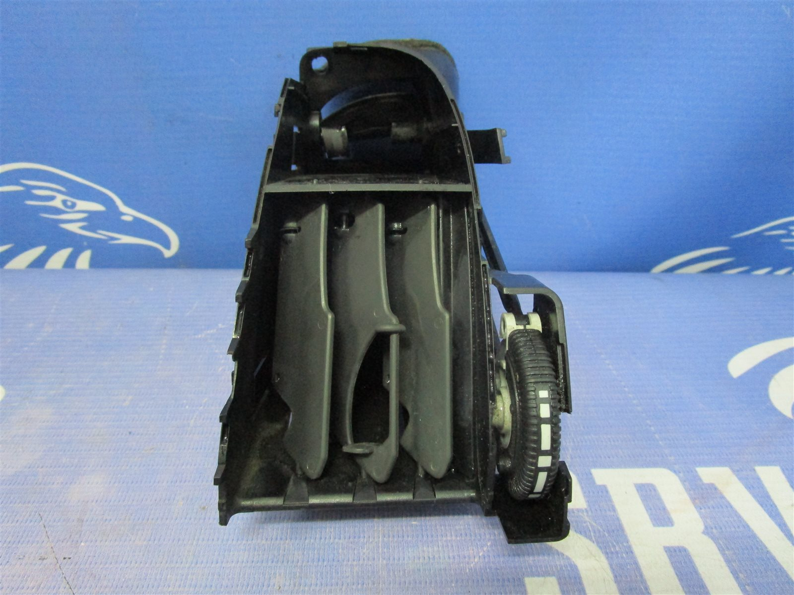 Дефлектор воздуходува центральной консоли Mercedes-Benz Vito W639 646982 2005