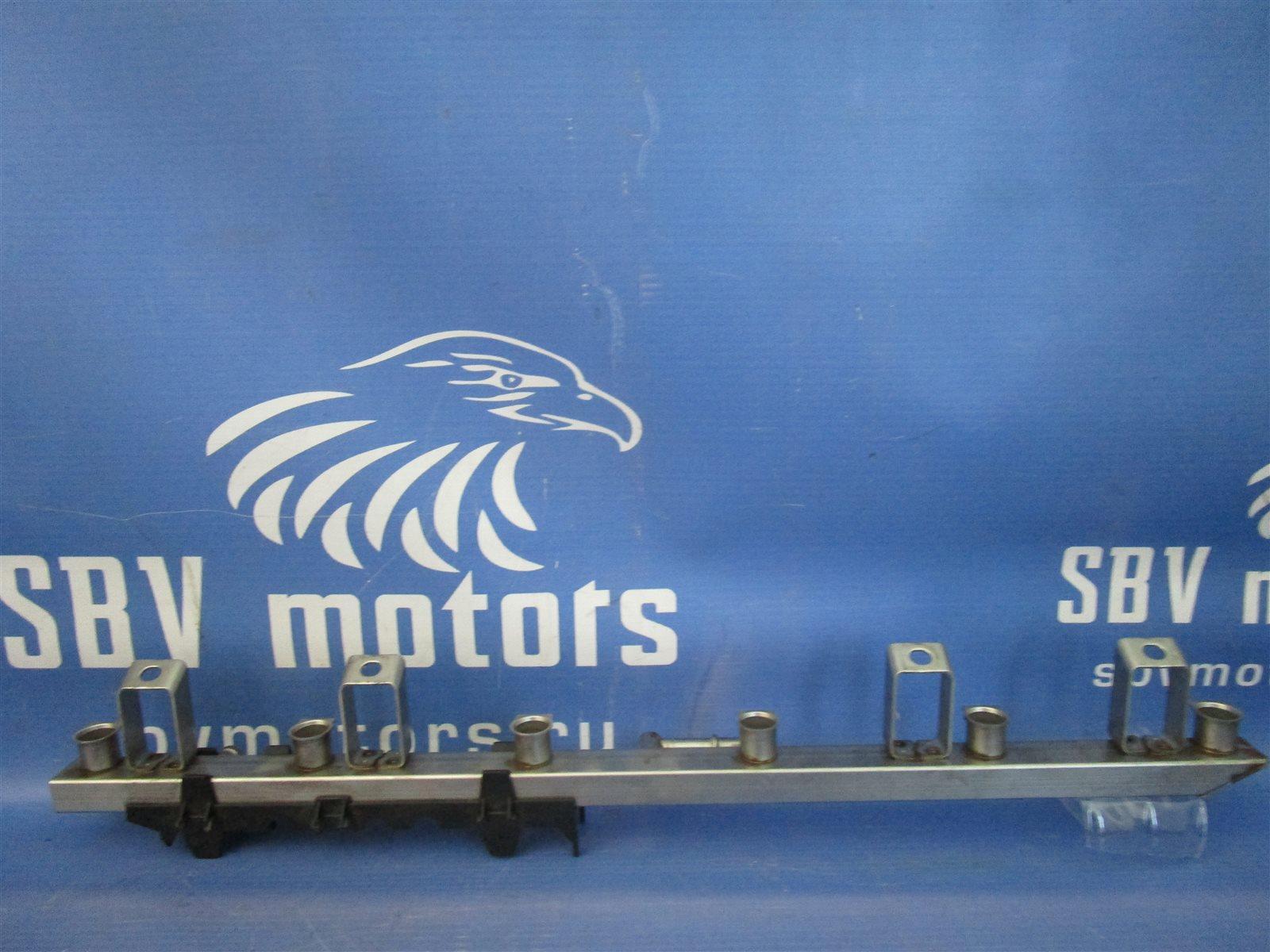 Топливная рампа Bmw 1-Series E87 N52B30A 2008