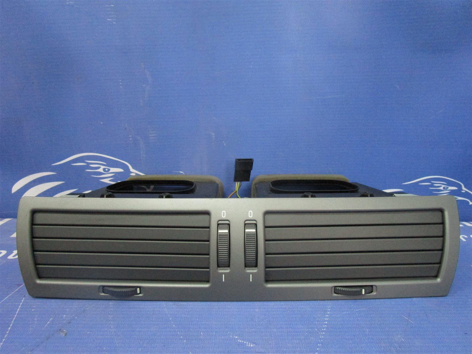 Дефлектор воздуходува центральной консоли Bmw 7-Series E65/66 N62B44A 2002