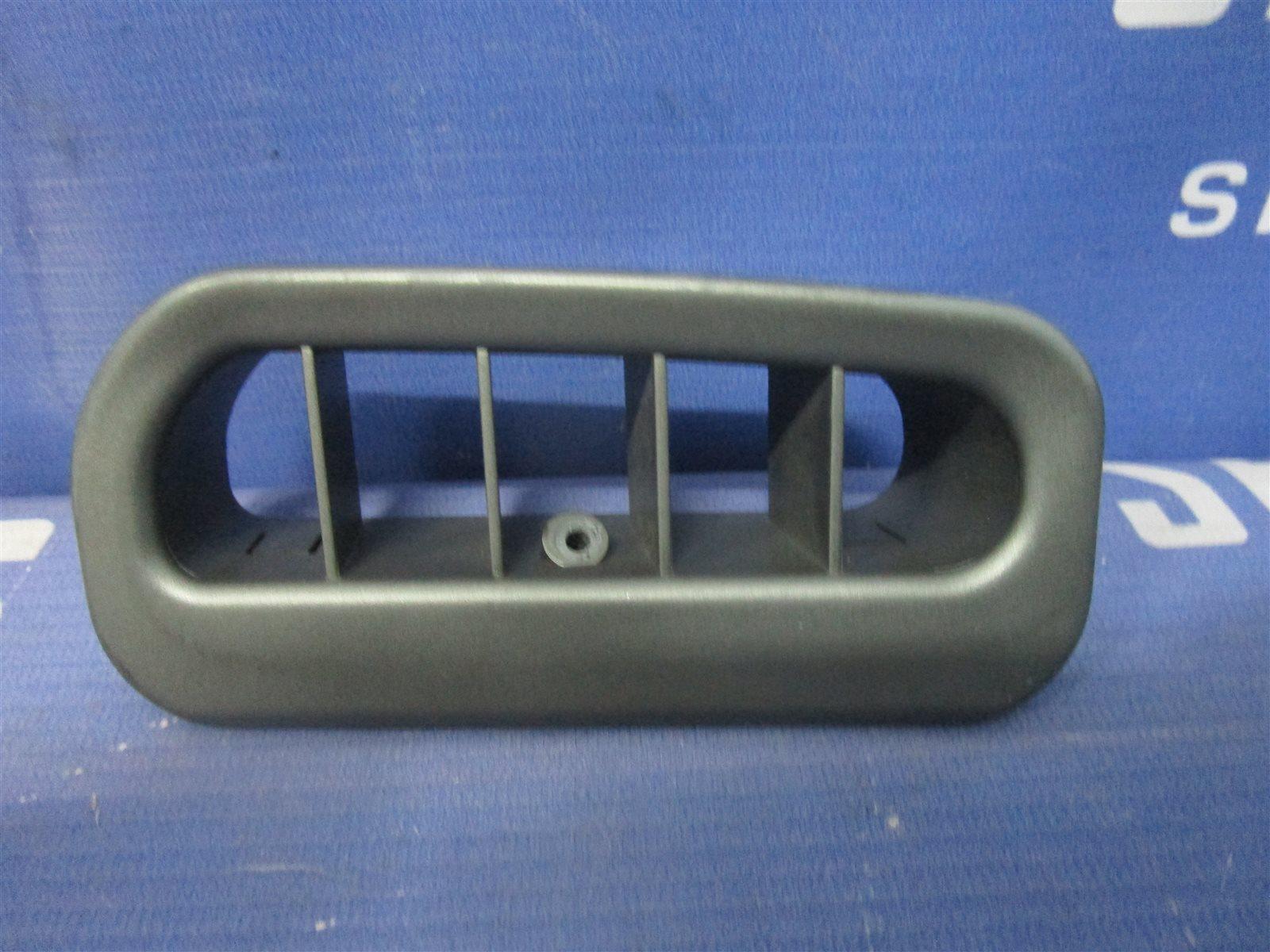 Решетка вентилятора Bmw 7-Series E65/66 N62B44A 2002