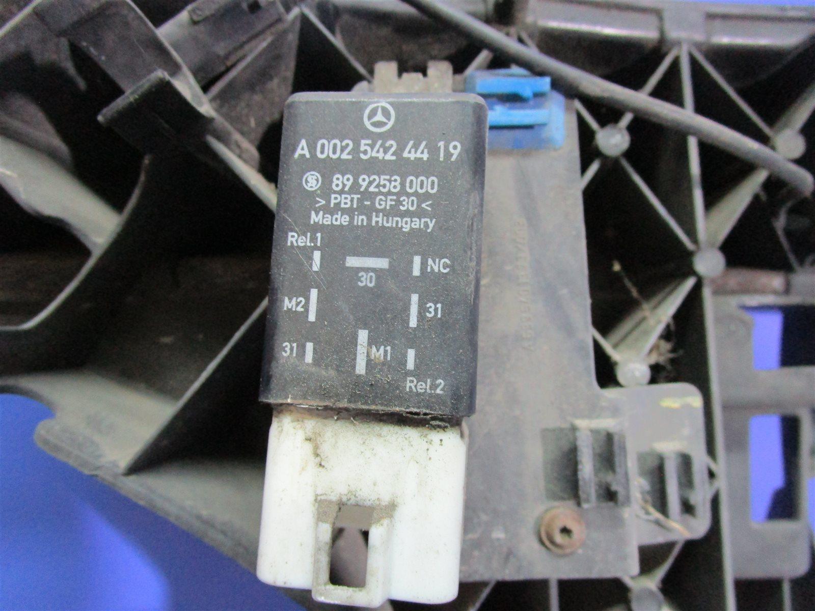Реле вентилятора Mercedes-Benz Vito W639 646982 2005