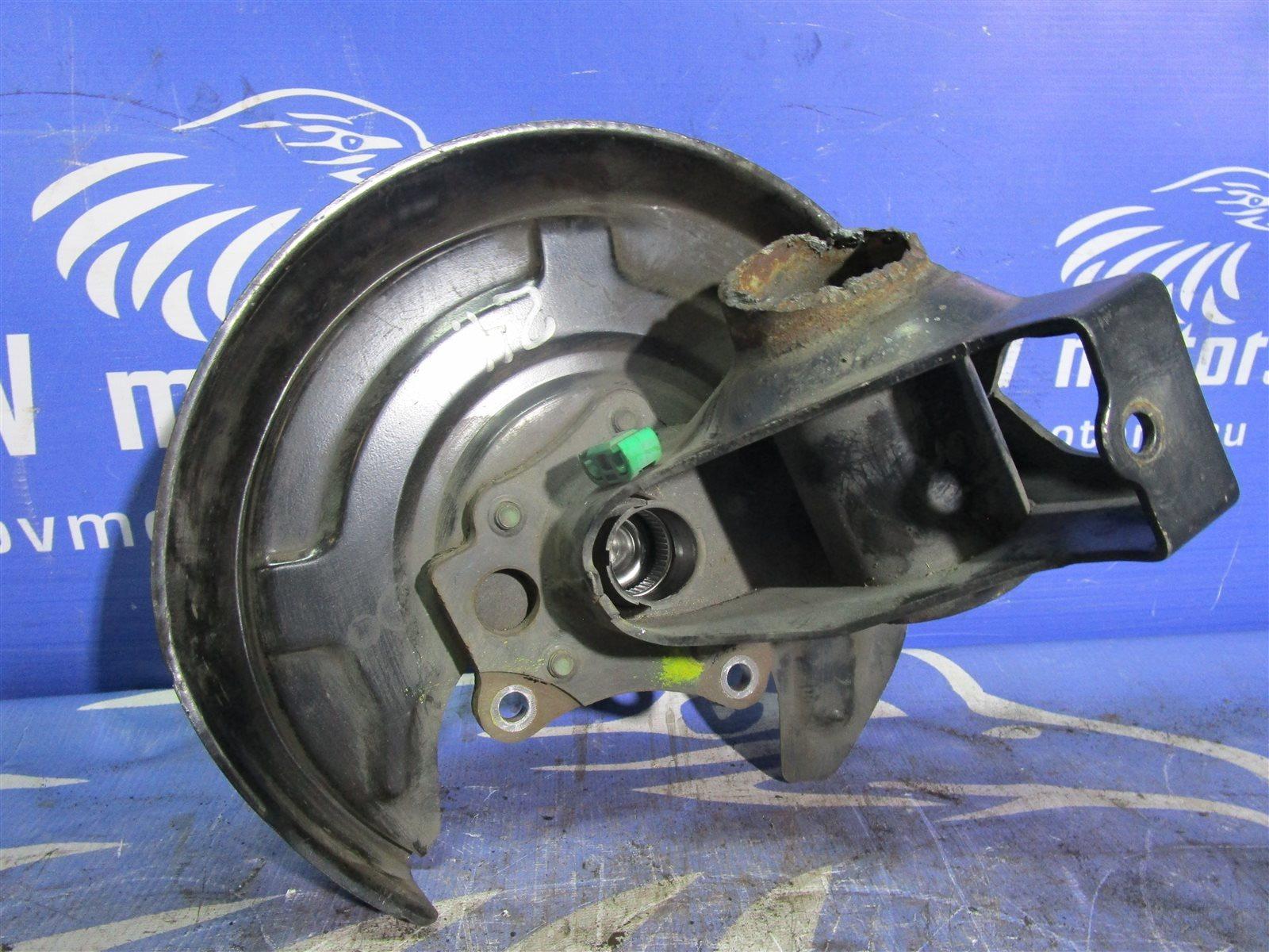 Кулак поворотный Volkswagen Passat B5+ / 3B6 AZM 2004 задний