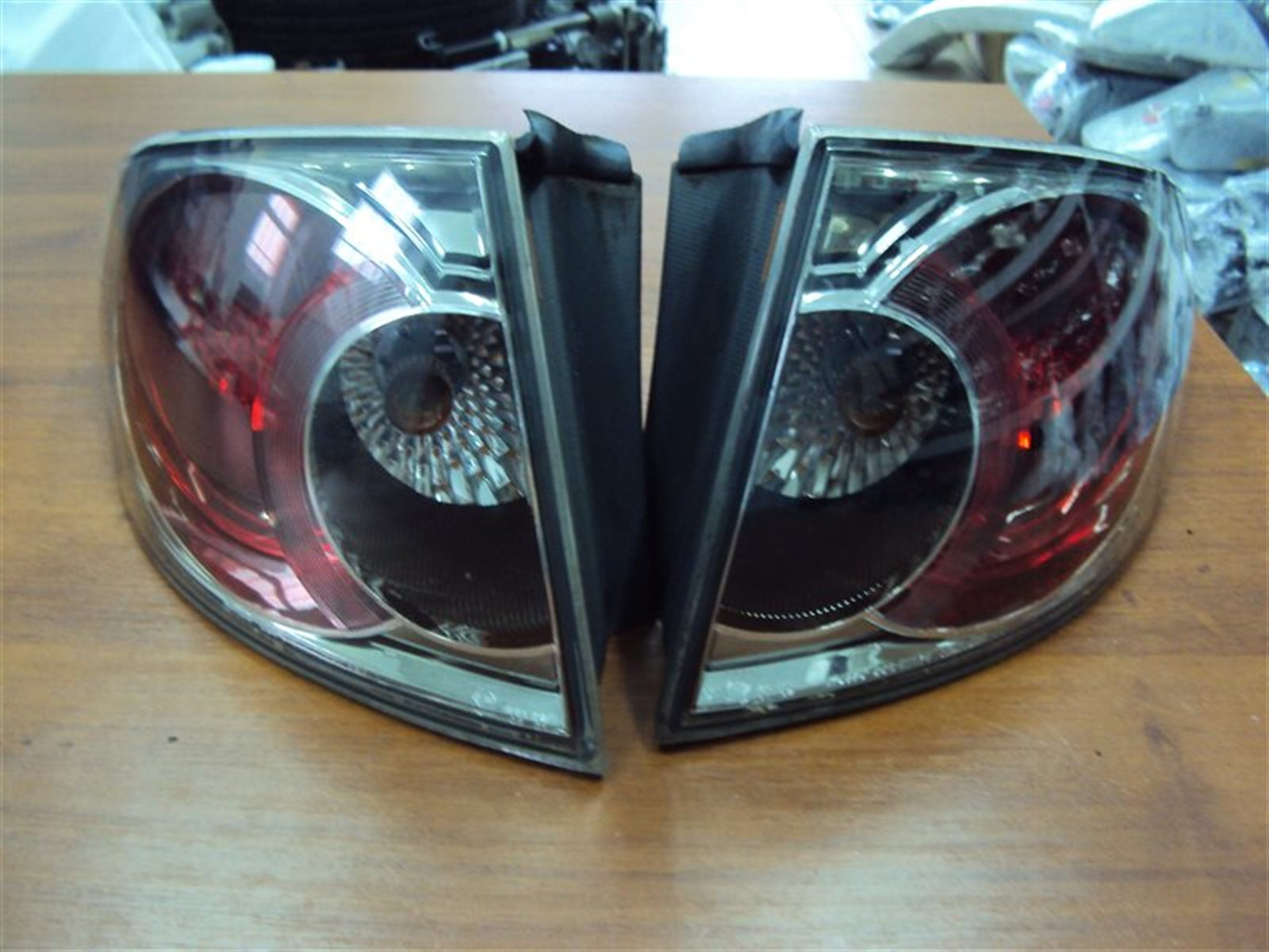 Фонарь задний Mazda 6 GG L3WE 2002 задний левый