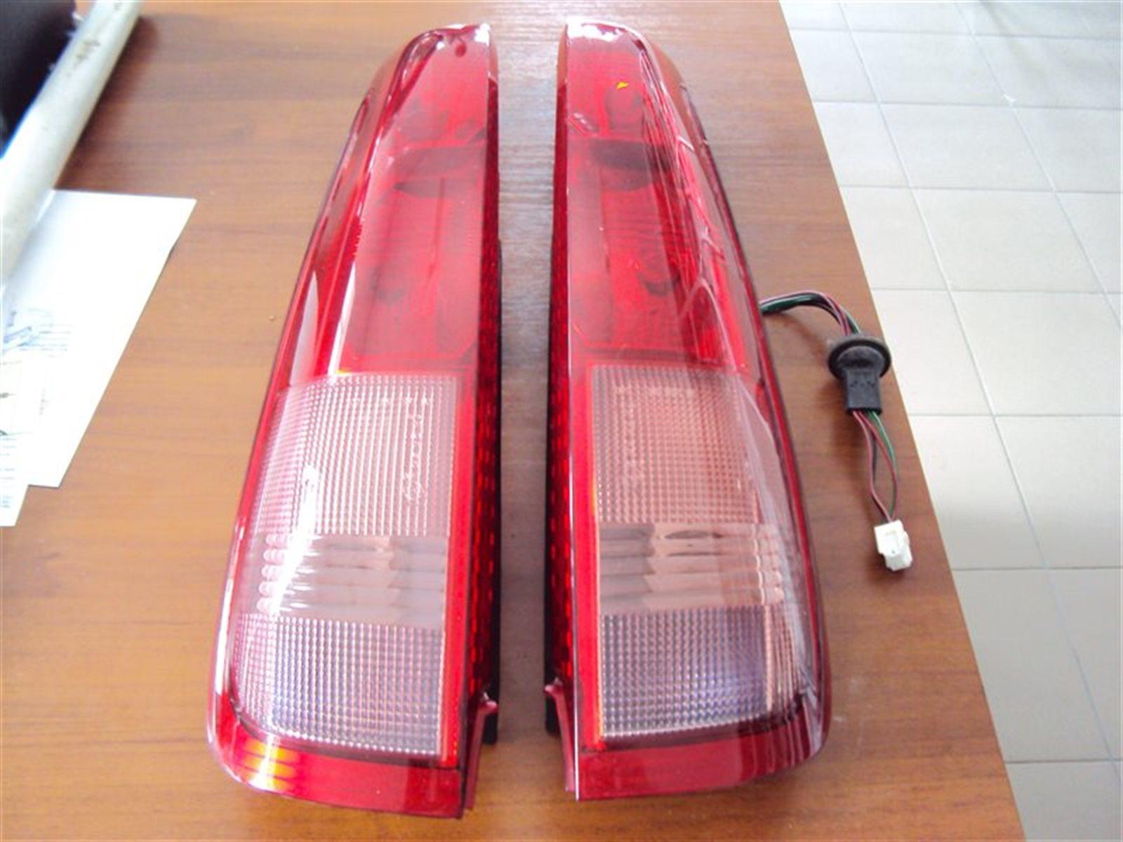 Фонарь задний Nissan X-Trail T30 QR20 2006 задний левый