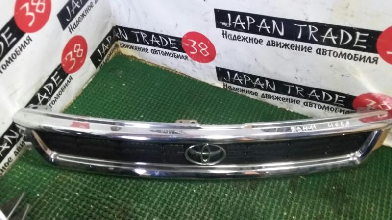Решетка радиатора Toyota Granvia RCH11
