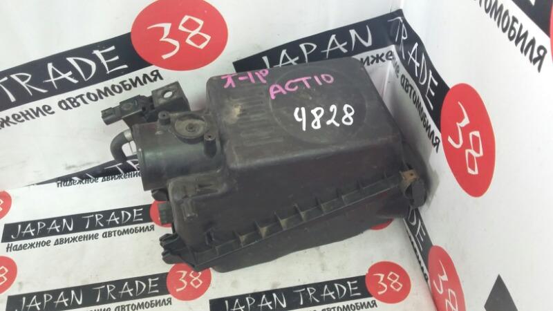 Корпус воздушного фильтра Toyota Opa ZCT10