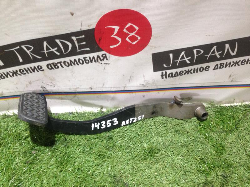 Педаль тормоза Toyota Avensis AZT251 2AZ-FSE