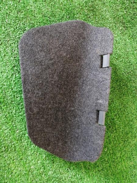 Обшивка багажника Toyota Auris ADE150 задняя правая