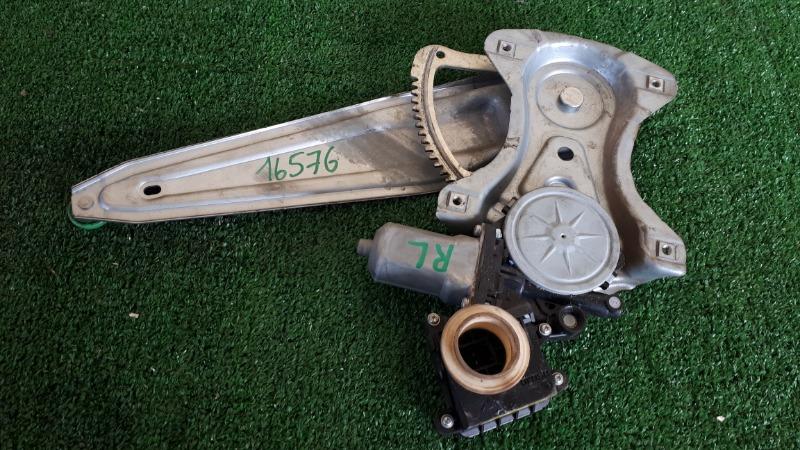 Стеклоподъемник Toyota Auris ADE150 задний левый