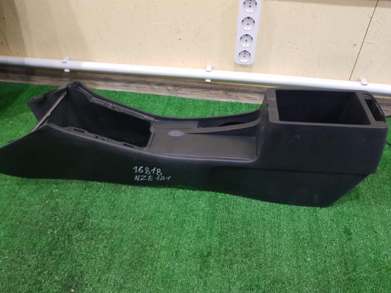 Консоль между сидений Toyota NZE121