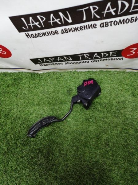 Педаль газа Toyota