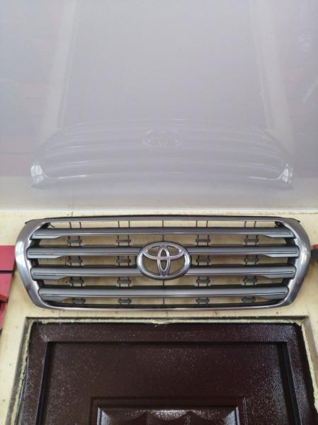 Решетка радиатора Toyota Land Cruiser UZJ200