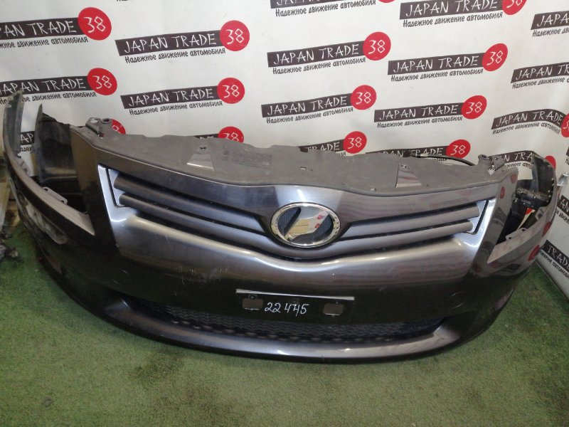 Бампер Toyota Auris ADE150 передний