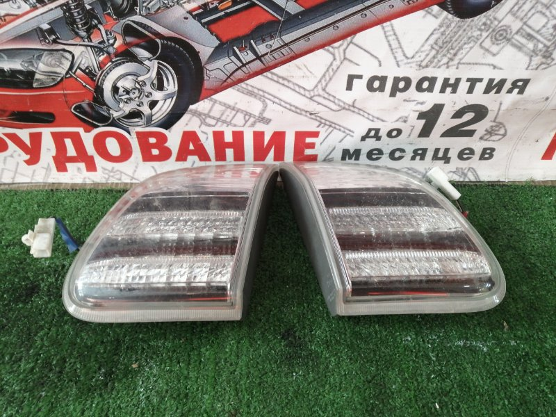 Вставка багажника Toyota Balde AZE156 задняя правая