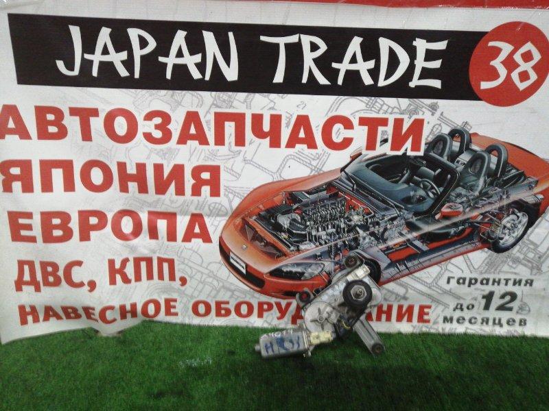 Мотор дворников Nissan Skyline HR33 задний