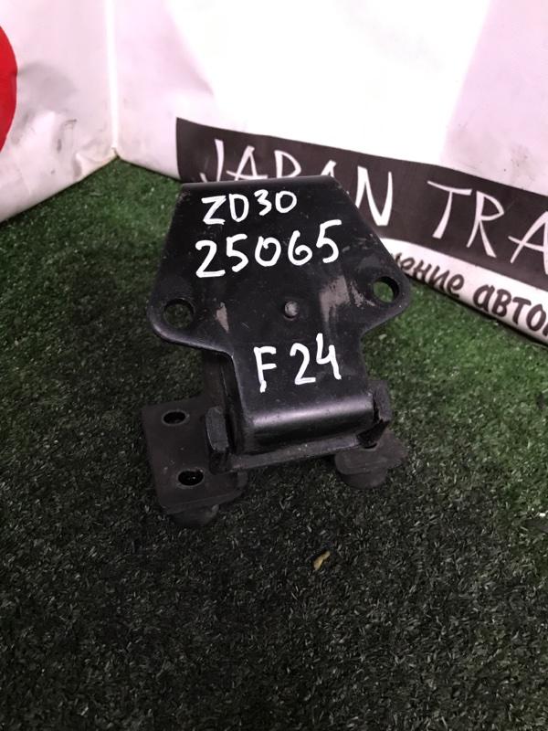 Подушка двигателя Nissan Atlas F24 ZD30DDTI