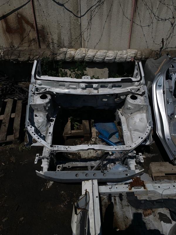 Передняя часть а/м Toyota Avensis ADT250 1AZ-FSE